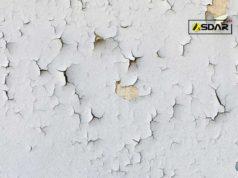 cat dinding terkelupas
