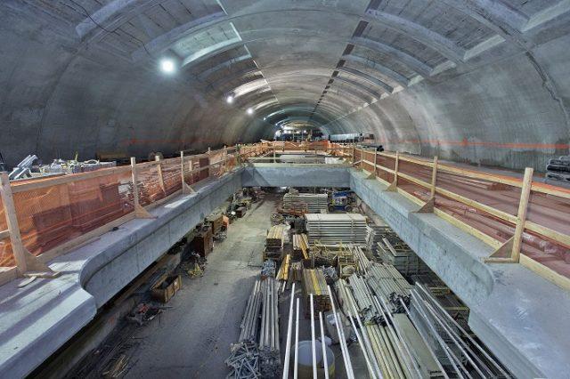 terowongan kereta